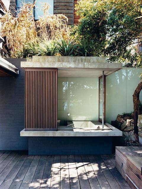 outdoor-bathroom-designs-14