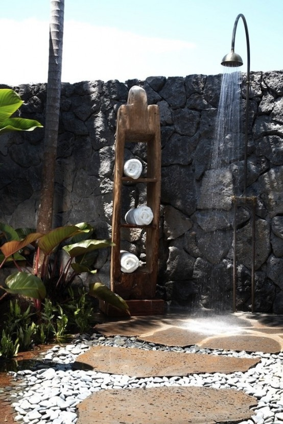 outdoor-bathroom-designs-23