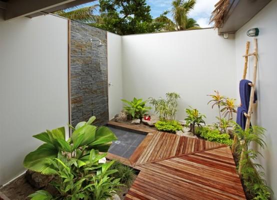 outdoor-bathroom-designs-24