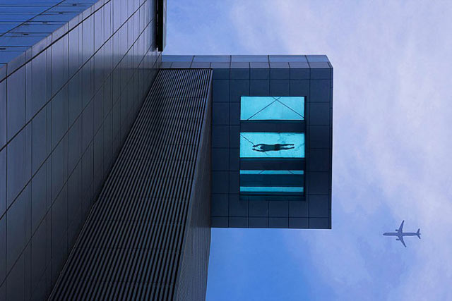 glass-bottom-pool-1